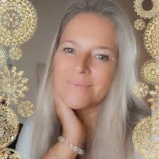 "Speaker - Jeanne Ruland | Vortrag ""Heilige Geometrie"""
